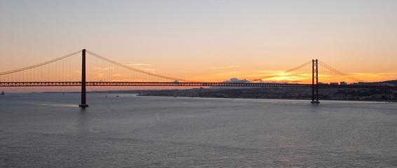 bridge 25 de abril