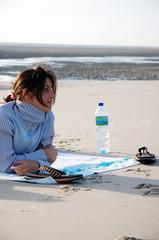 femme calme sur la plage