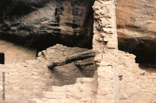 cliff dwelling detail.