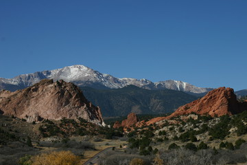 pikes peak at garden of the gods 2