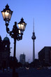 unter den linden strasse fernsehturm silhouette be