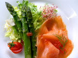 Fototapety asparagus with smoked salmon