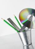 fournitures de bureau et cd poster