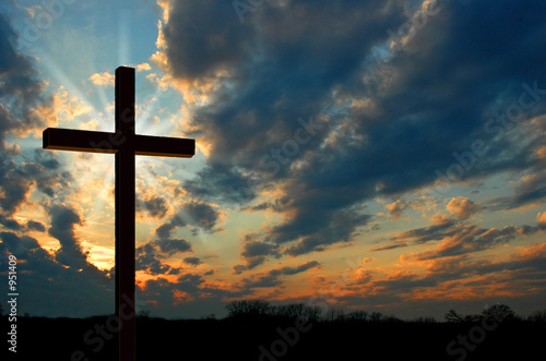 cross at sunset - 951409