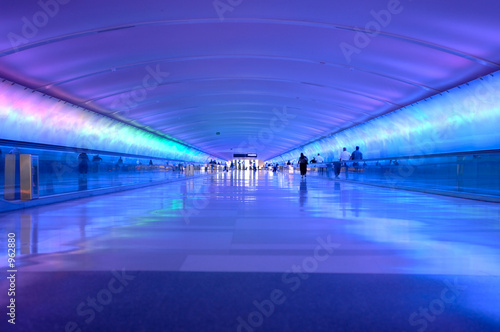 airport tunnel glow - 962880