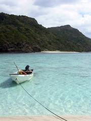 barque sur le lagon