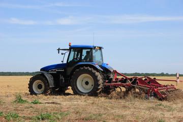 tracteur bleu