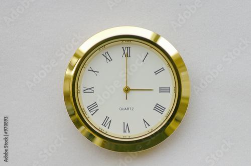 clock face - 3:00 / 15:00 (0300h / 1500h)