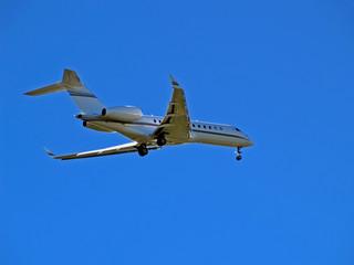 landing aeroplane