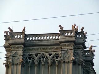 gargoyles on guard