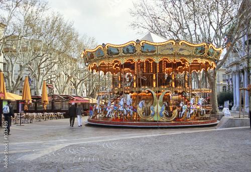 carousel avignon market square