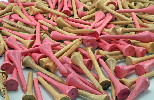 pink and brown golf tees