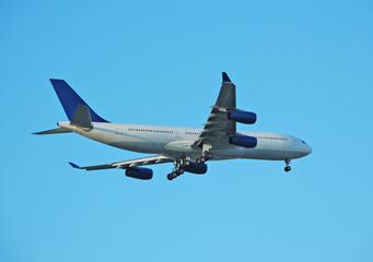 boeing 747 passenger airliner