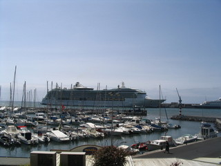 cruise ship madeira island