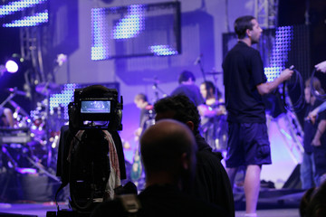 les hommes de l'ombre à la télévision