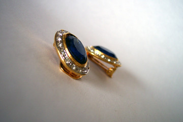 blue earring with diamonds