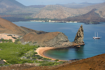 pinnacle rock - bartolome - iles galapagos