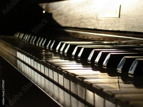 piano keys - 1111467