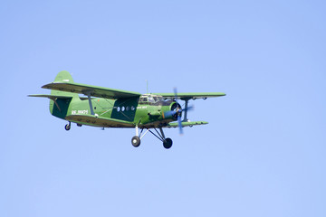 an-2 flying