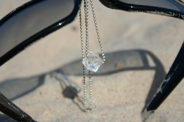 necklace on sunnies