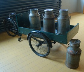 old dutch bike with milk cans