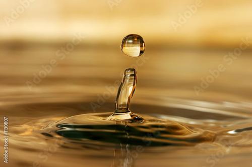 Leinwandbild Motiv water drop