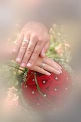 hochzeit trauringe brautstrauss heirat