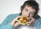 homme et hamburger poster