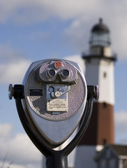 pay binoculars & lighthouse