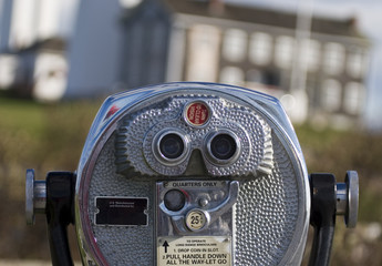 pay binoculars
