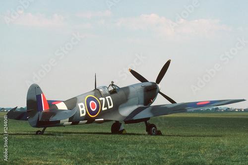 spitfire parked - 1244041