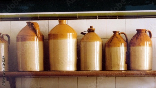 jars of clay/crockery/kitchen utensil/containers.j