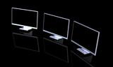 triple monitor setup - schwarz 2 poster