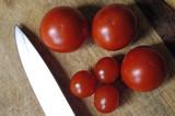 tomates et couteau de cuisine poster