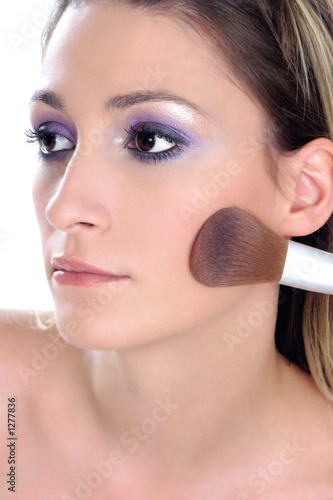 violet look-step 3-blusher