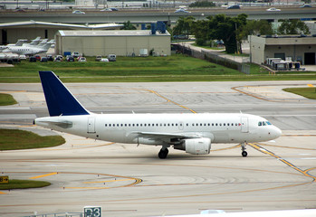 airbus a-319 passenger jet