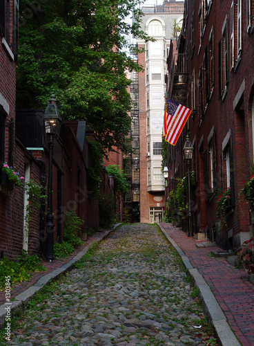 acorn street on beacon hill