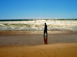 walk on the beach silhouette
