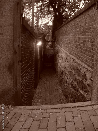 beacon hill alleyway
