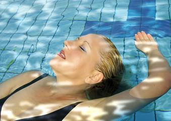 relax im pool