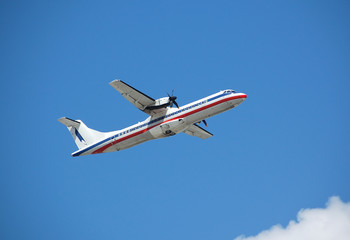 atr-72 regional turboprop passenger plane