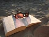 Fototapeta wakacje - plaża - Książki