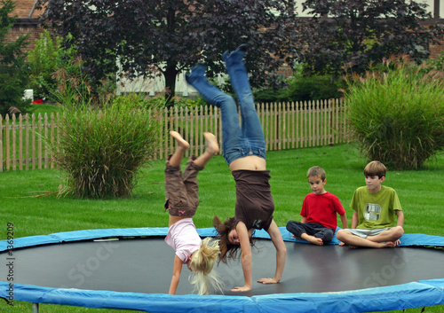 kids doing backhandsprings