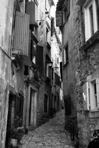 an alley in novigrad, croatia - 1373695