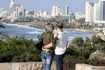 lovers in tlv
