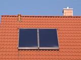 solar - kollektor auf dem dach poster