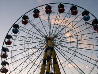 silhouette of wheel (attraction)