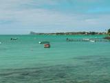 barques sur lagon bleu turquoise poster