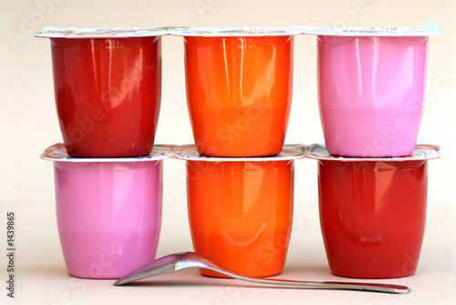 yaourts aromatisés... - 1439865