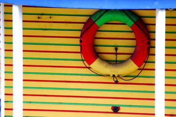bateau coloré